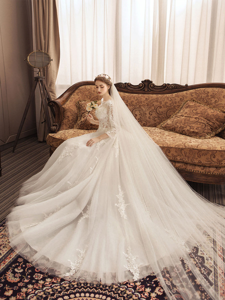 Milanoo Ivory Wedding Dresses Lace Applique Jewel Neck 3/4 Length Sleeve Princess Bridal Gown With Train