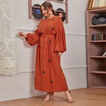 Kleid mit 3D Schmetterling Applikation, Bischofaermeln und Guertel