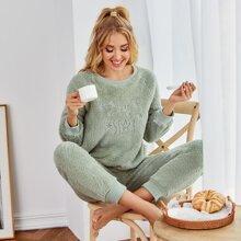 Conjunto de pijama de franela con bordado de estrella