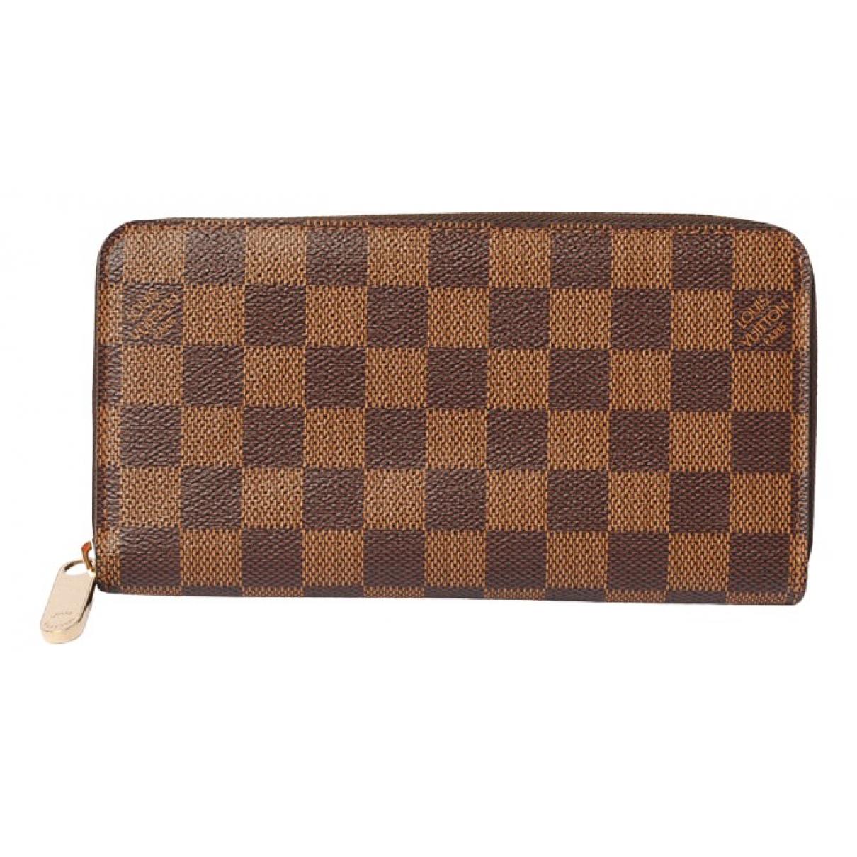 Louis Vuitton Zippy White Cloth wallet for Women \N