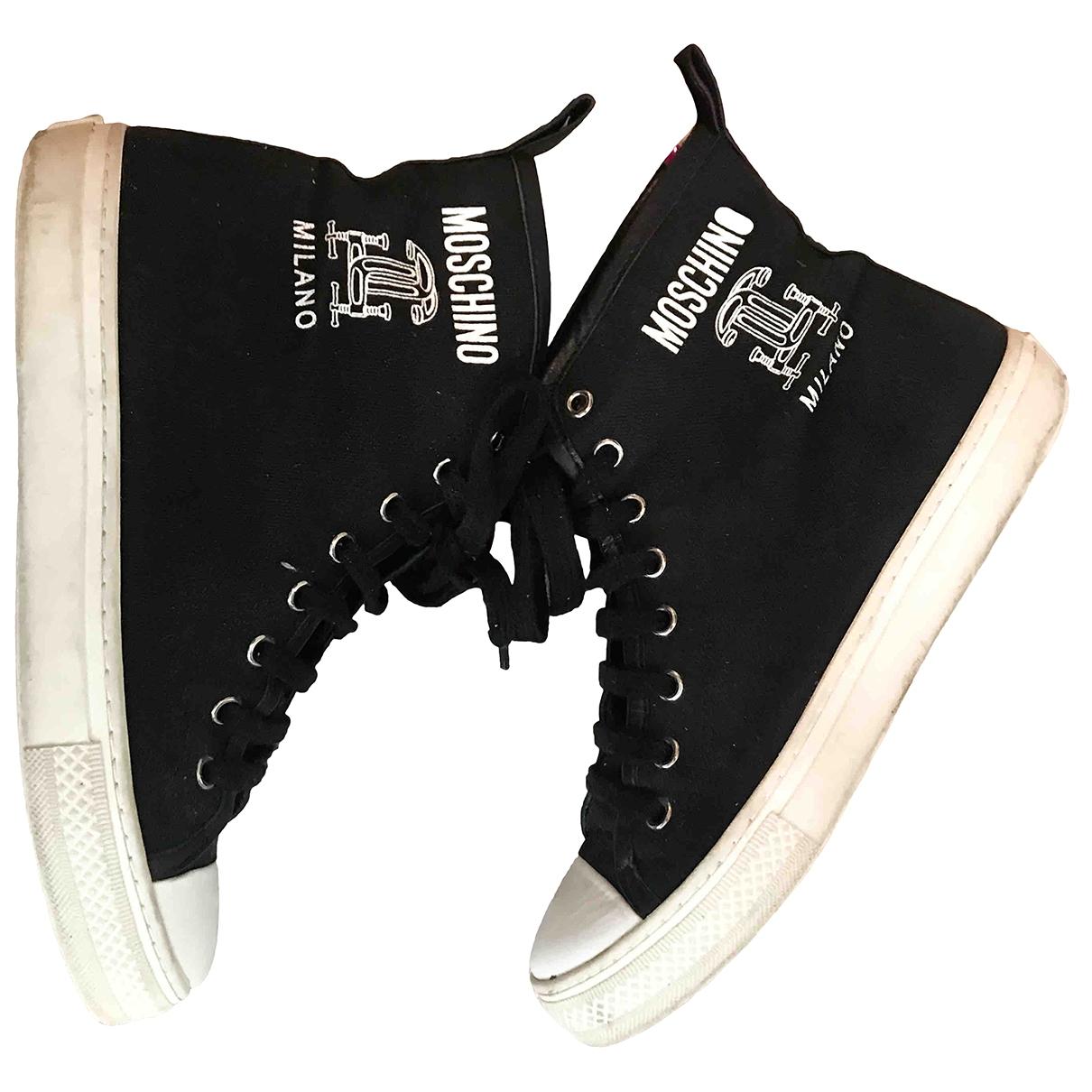 Moschino \N Sneakers in  Schwarz Leinen