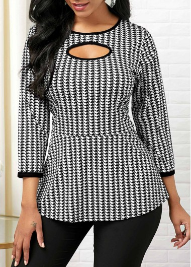 Houndstooth Print Round Neck Cutout Front T Shirt - XS