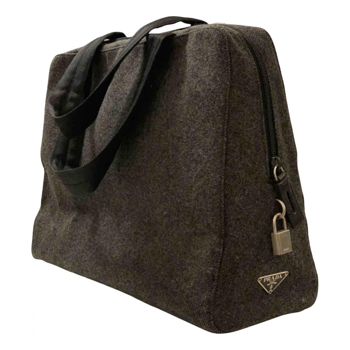 Prada \N Handtasche in  Grau Polyester