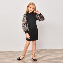 Kleid mit Kontrast, Pailletten und Reissverschluss hinten