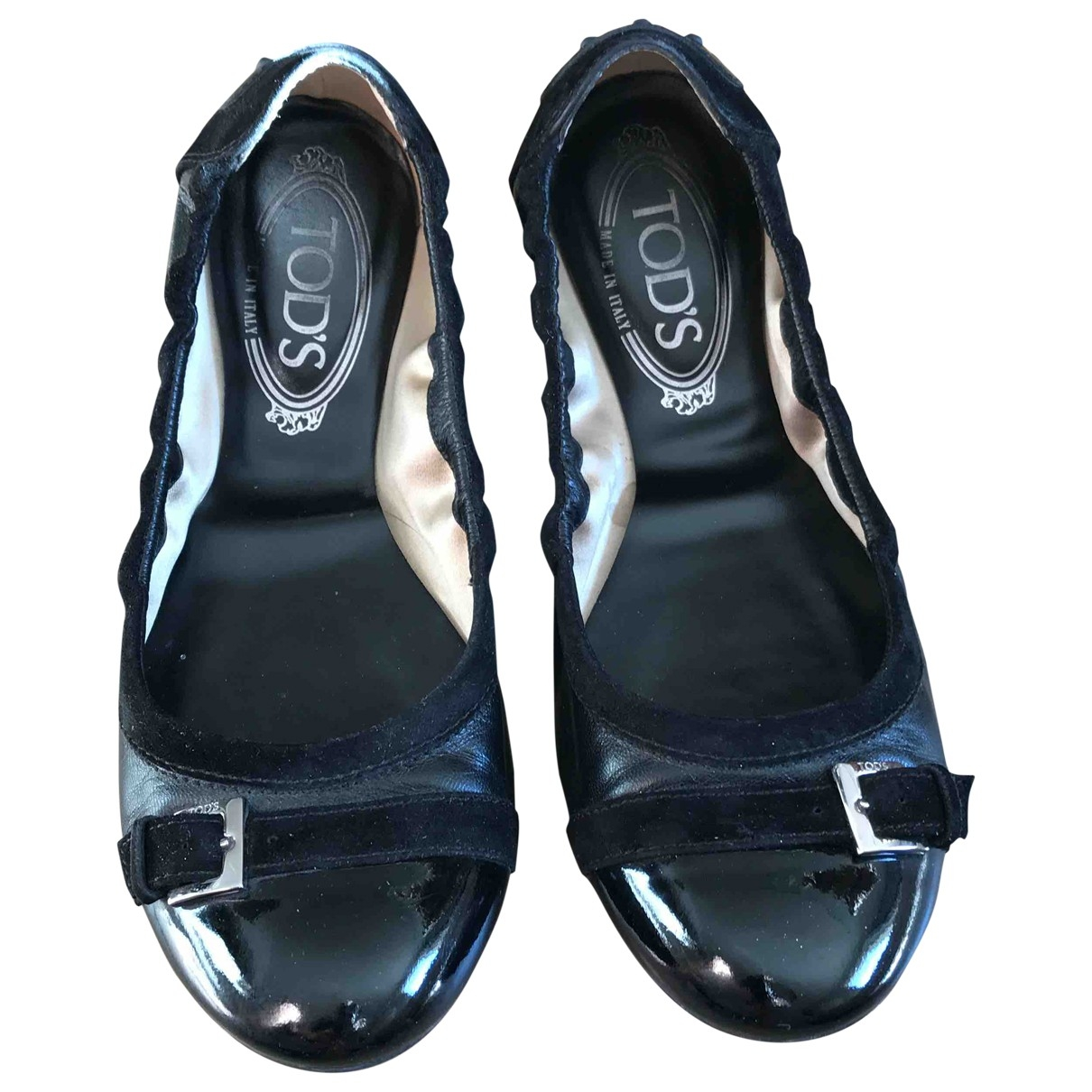 Tods \N Ballerinas in  Schwarz Lackleder