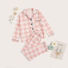 Maedchen Schlafanzug Set mit Karo Muster und Knopfen