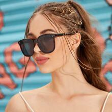Gafas de sol de marco de carey con diseño de remache con estuche