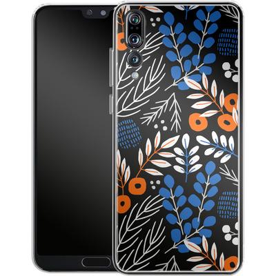 Huawei P20 Pro Silikon Handyhuelle - Forest Floor von Jenna Kunnas