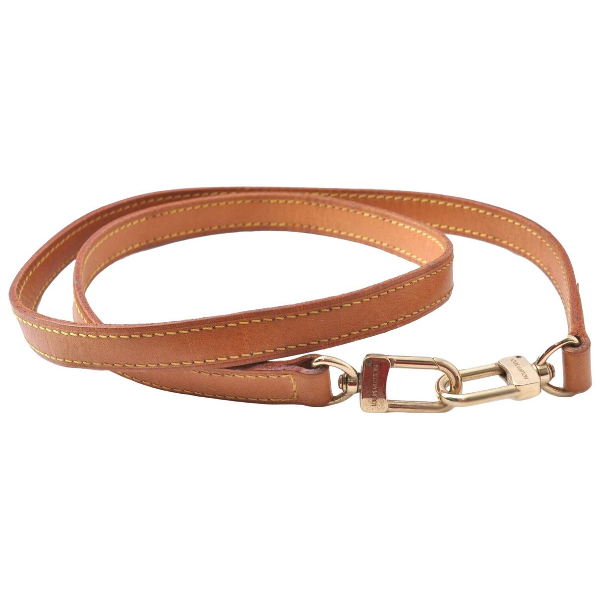 Louis Vuitton \N Handtasche in  Beige Leder