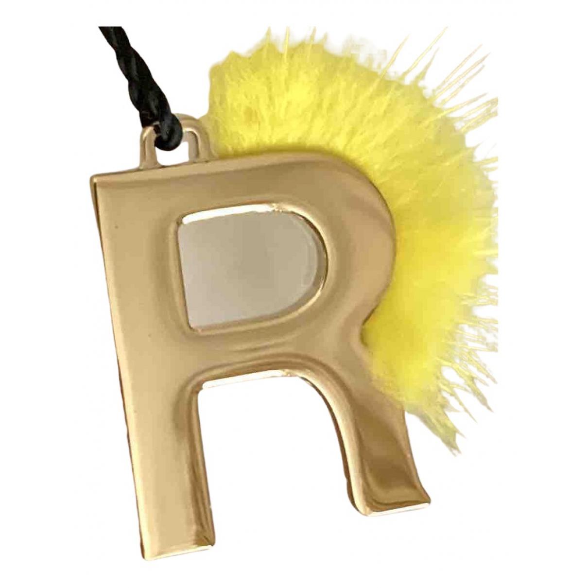 Fendi ABCharm Taschenschmuck in  Gold Metall