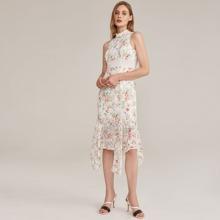 Schiffy Kleid mit Guipure Spitzen und Zipfelsaum