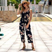 Cami Jumpsuit mit Blumen Muster, V-Kragen vorn und Guertel