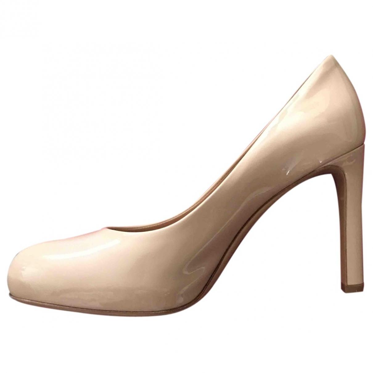 Salvatore Ferragamo \N Beige Patent leather Heels for Women 37 EU