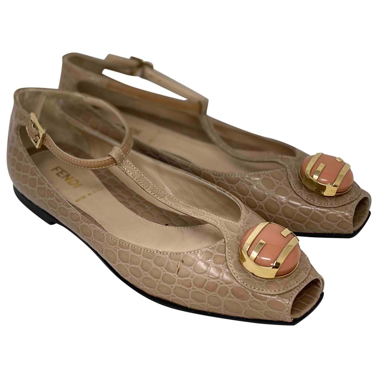 Fendi - Sandales   pour femme en cuir - beige