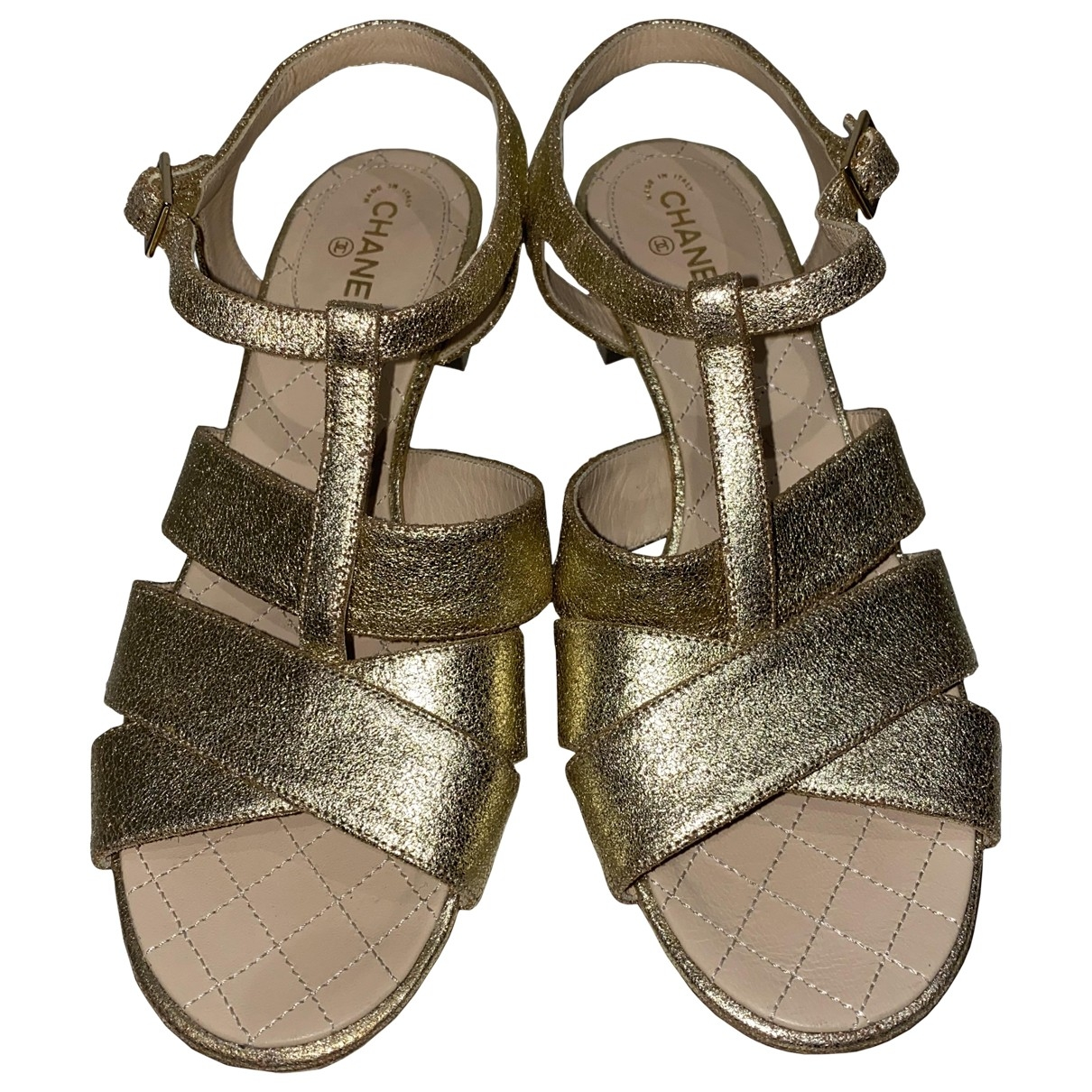 Chanel \N Gold Leather Sandals for Women 37.5 EU