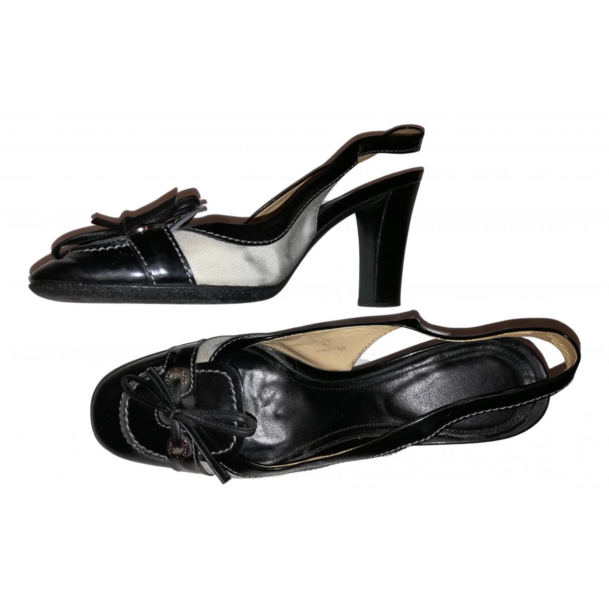 Tods \N Sandalen in  Schwarz Lackleder