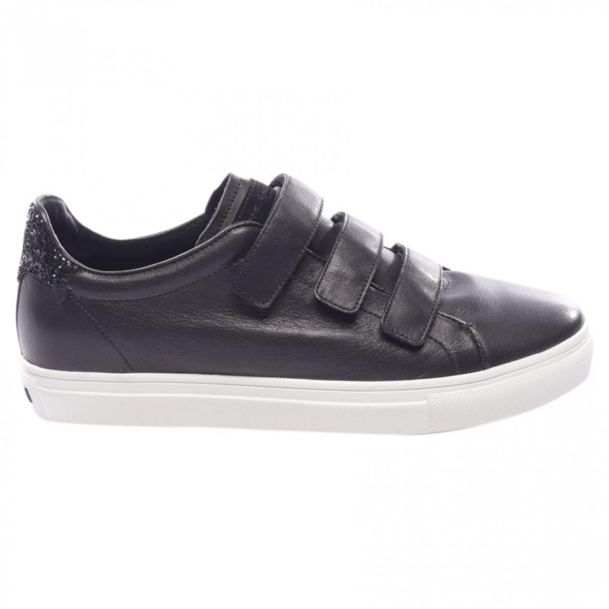 Kennel Und Schmenger \N Black Exotic leathers Flats for Women 41.5 EU