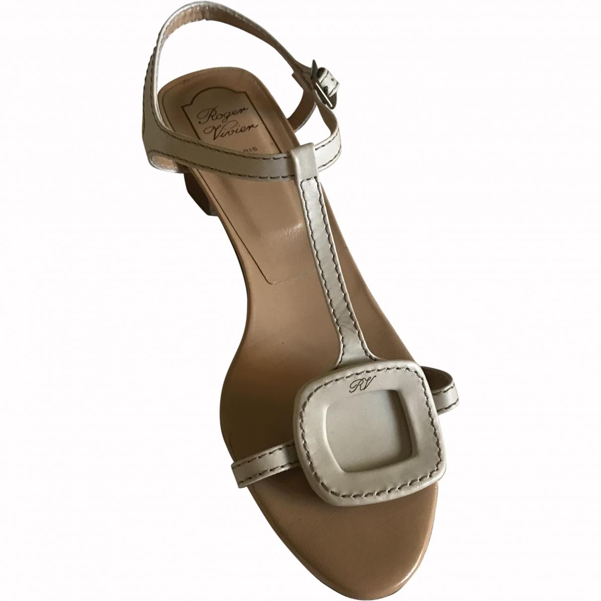 Roger Vivier \N Beige Leather Sandals for Women 40 EU