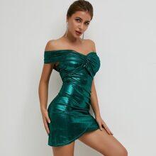 vestido ajustado de color metalico cruzado fruncido de hombros descubiertos