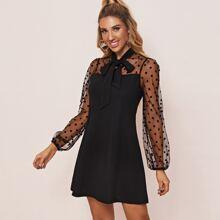 Kleid mit Halsband, Punkten Muster und Netzstoff Ärmeln