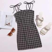 Cami Kleid mit Band auf Schulter und Karo Muster