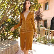Samt Kleid mit tiefem Ausschnitt, Schlitz und Ruesche
