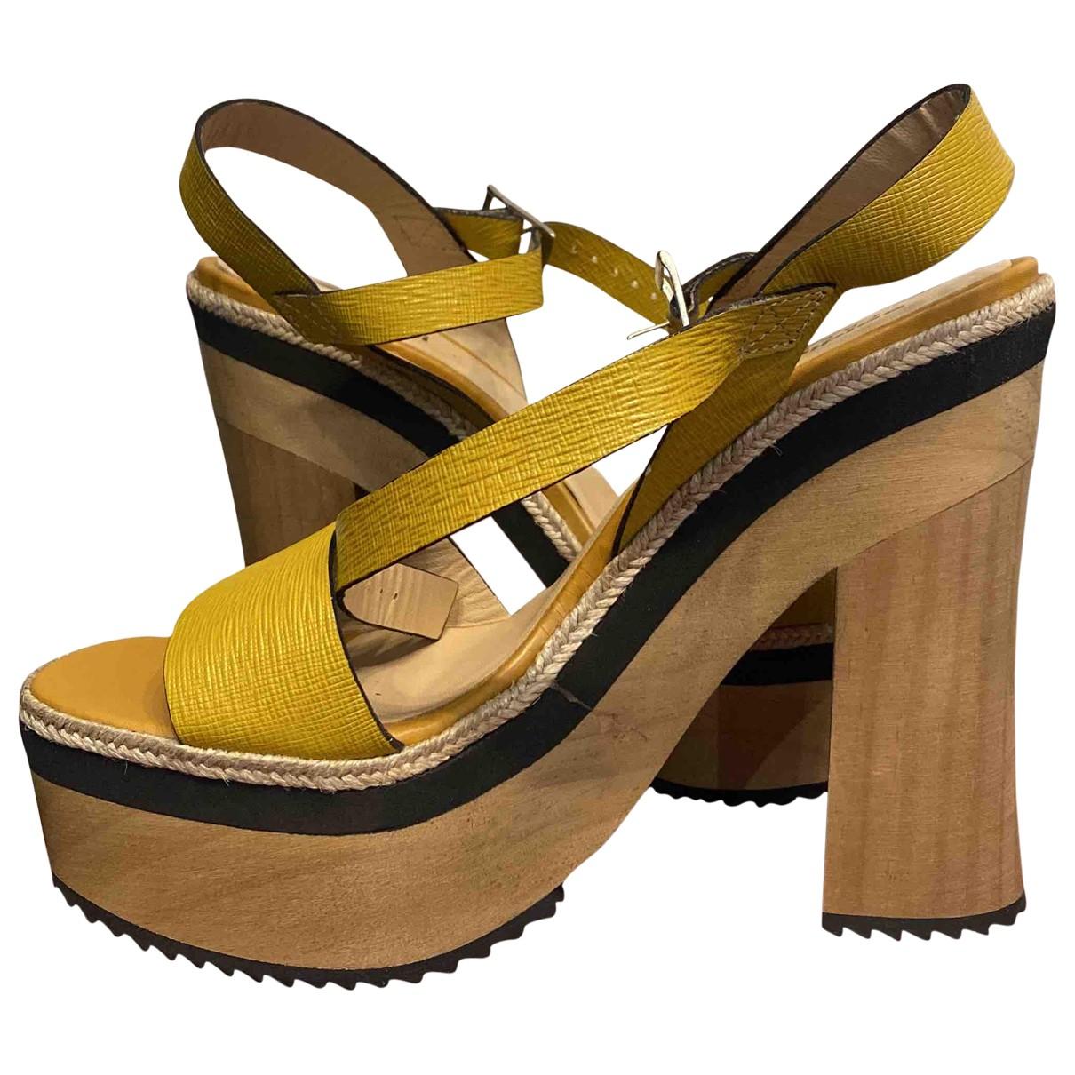 Baldinini - Sandales   pour femme en cuir - jaune