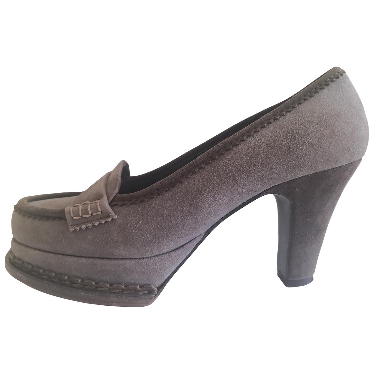 Yves Saint Laurent \N Grey Suede Heels for Women 36.5 EU