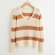 Pullover mit V-Kragen und Streifen