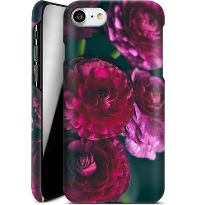 Apple iPhone 7 Smartphone Huelle - Purple Ranunculus 2 von Joy StClaire
