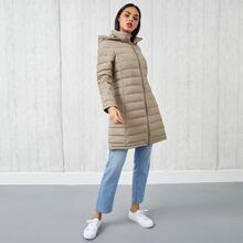 Gesteppter Mantel mit Reissverschluss und Kapuze