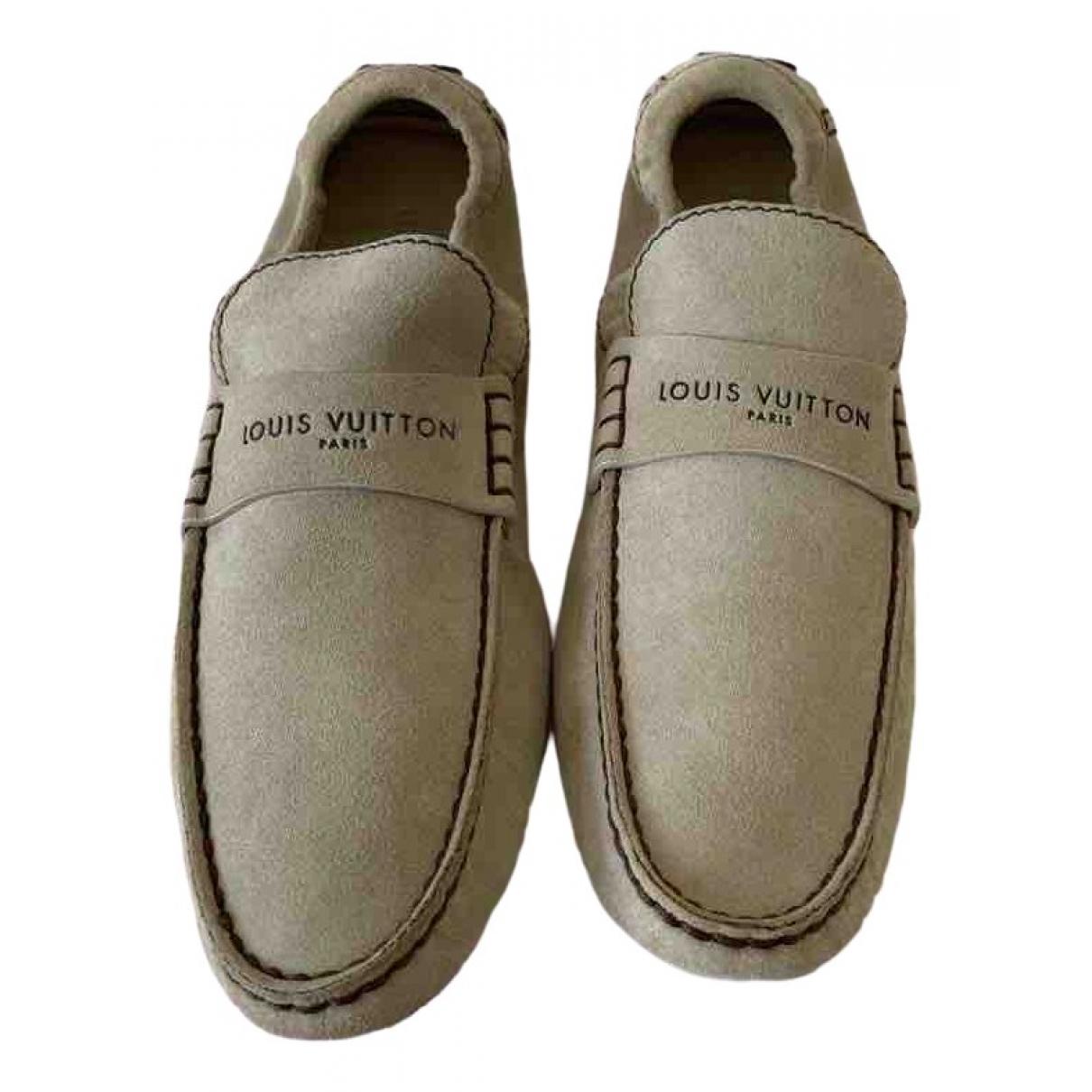 Louis Vuitton \N Mokassins in  Beige Veloursleder