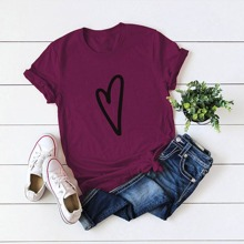 T-Shirt mit Herzen Muster und rundem Kragen