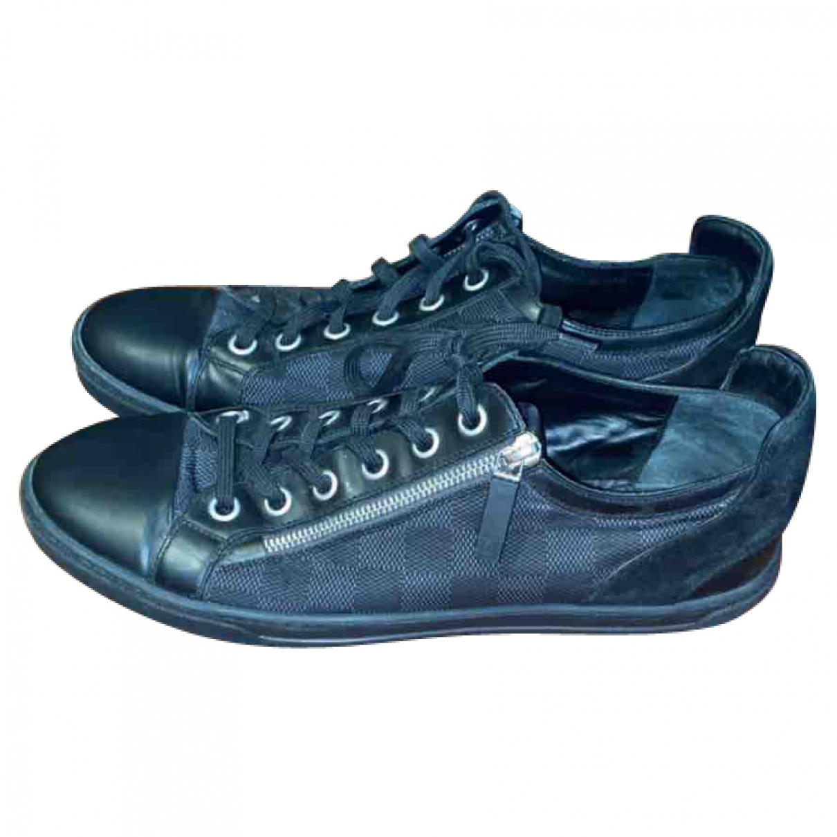 Louis Vuitton \N Navy Cloth Trainers for Men 7.5 UK