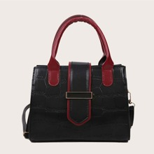 Handtasche mit metallischem Dekor
