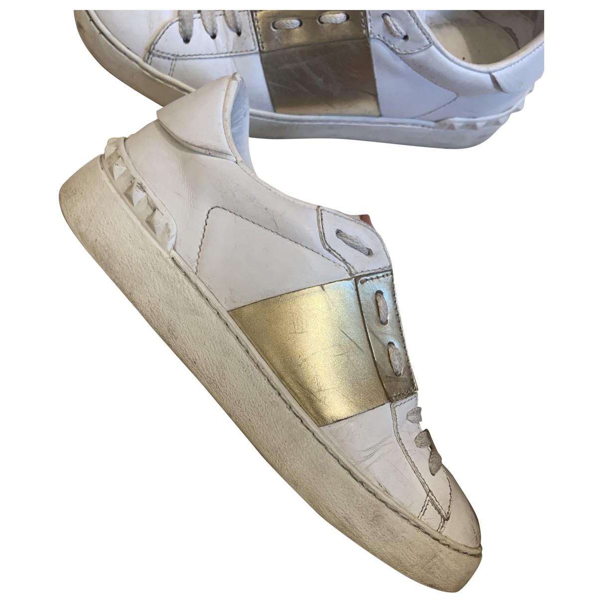 Valentino Garavani \N Sneakers in  Gold Leder