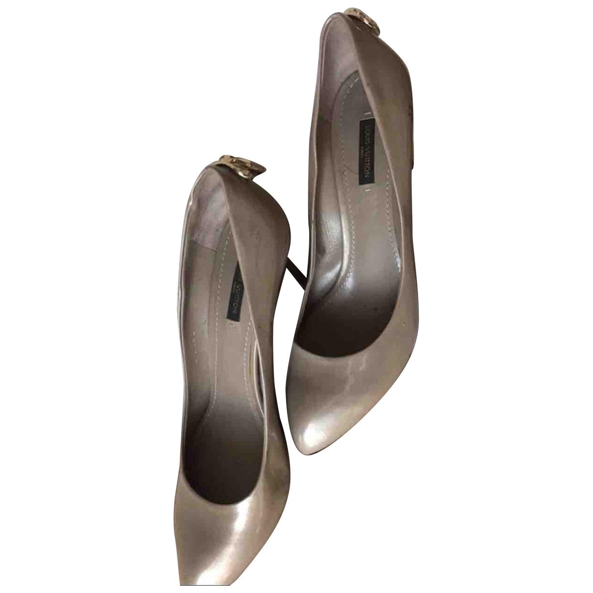 Louis Vuitton - Escarpins   pour femme en cuir verni