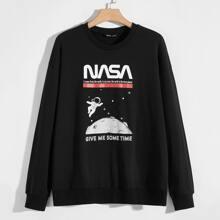 Men Space & Letter Graphic Drop Shoulder Pullover
