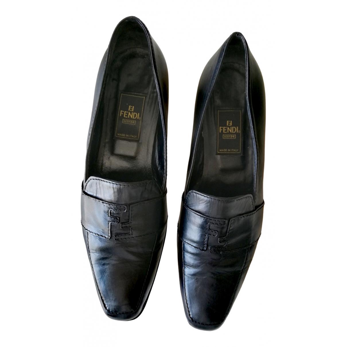 Fendi \N Black Leather Flats for Women 37 EU