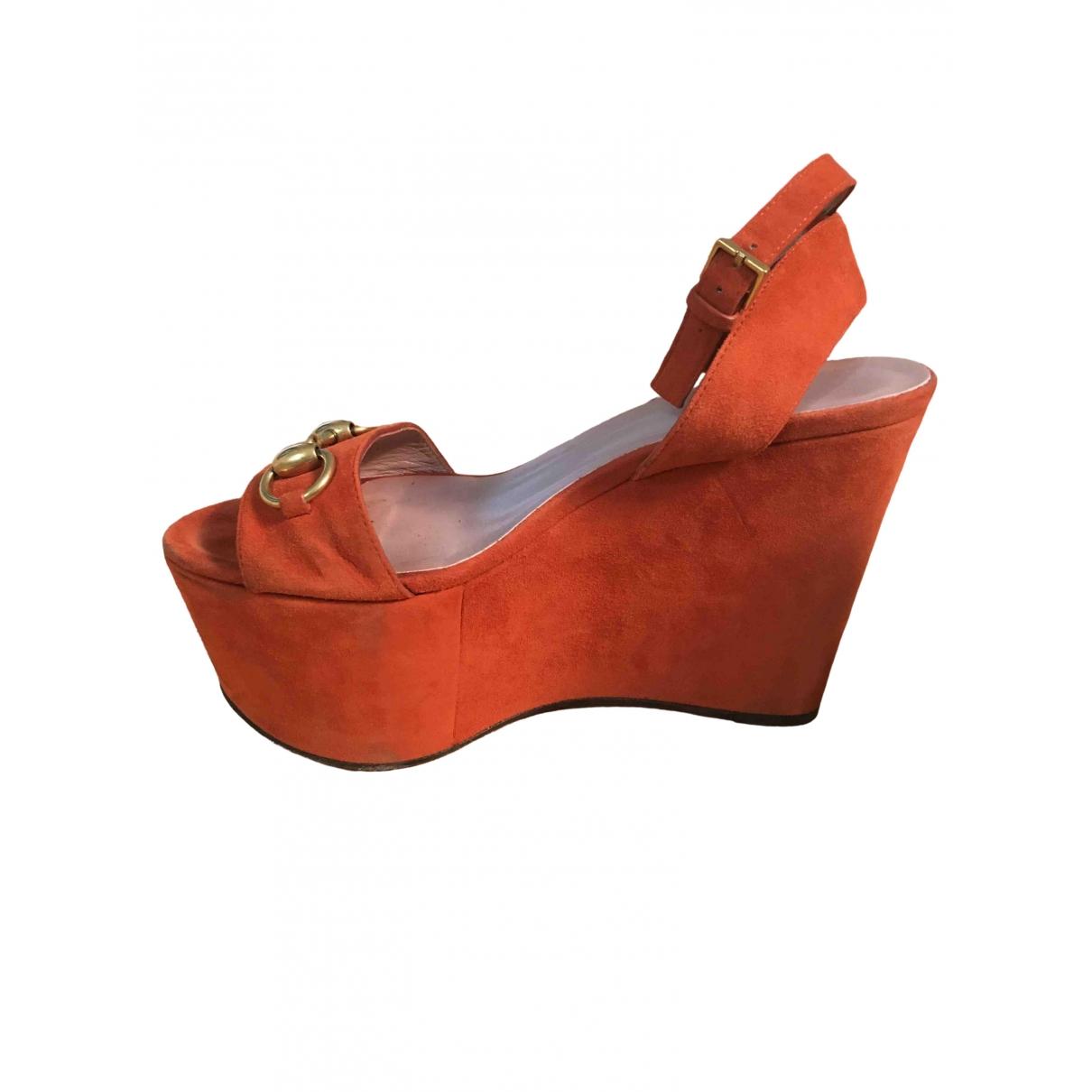 Gucci \N Sandalen in  Orange Veloursleder