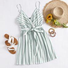 Cami Kleid mit V-Kragen, Selbstguertel und Streifen
