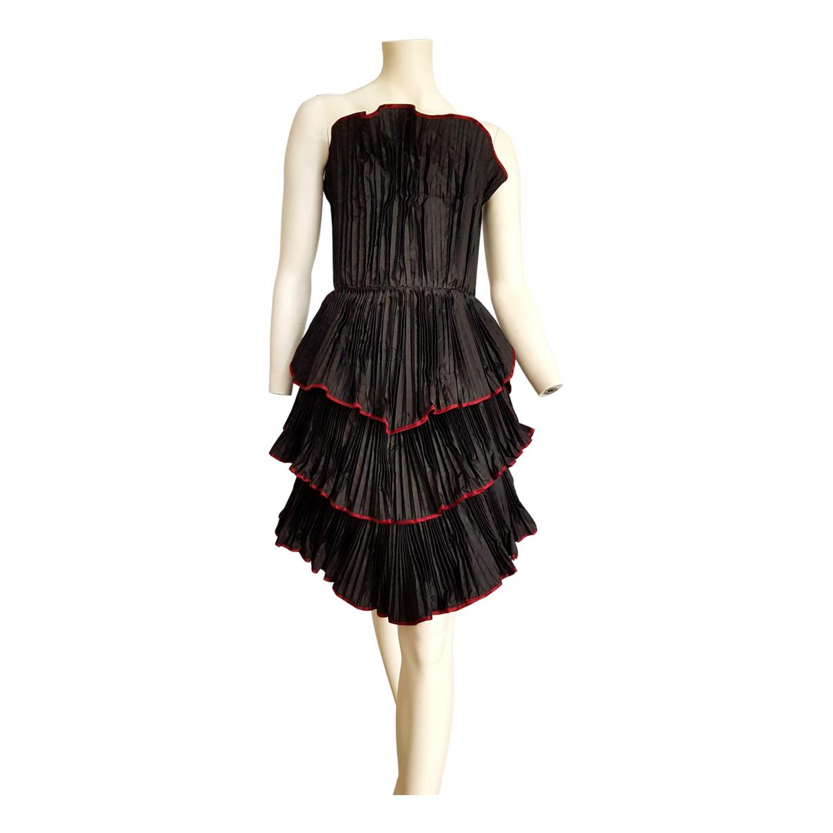 Krizia \N Kleid in  Schwarz Seide