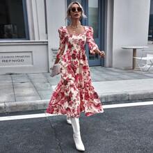 Kleid mit quadratischem Kragen, Blumen Muster und Rueschenbesatz
