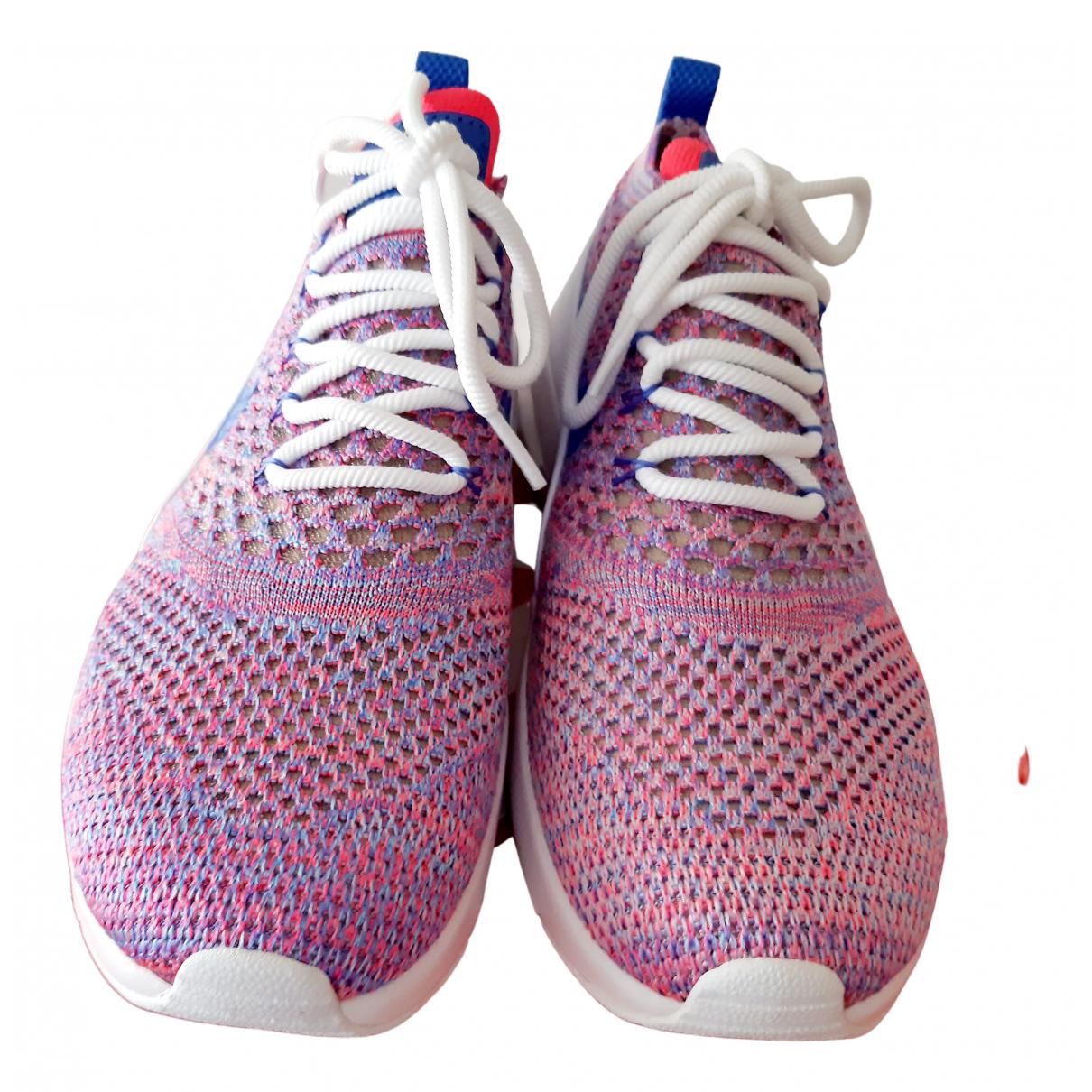 Nike Air Max  Sneakers in  Rosa Leinen