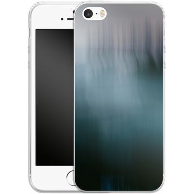 Apple iPhone 5 Silikon Handyhuelle - Twilight Sea Abstract von Joy StClaire