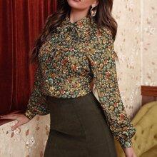 Camisa de cuello con cordon con estampado floral