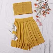 Conjunto top bandeau fruncido ribete fruncido con shorts