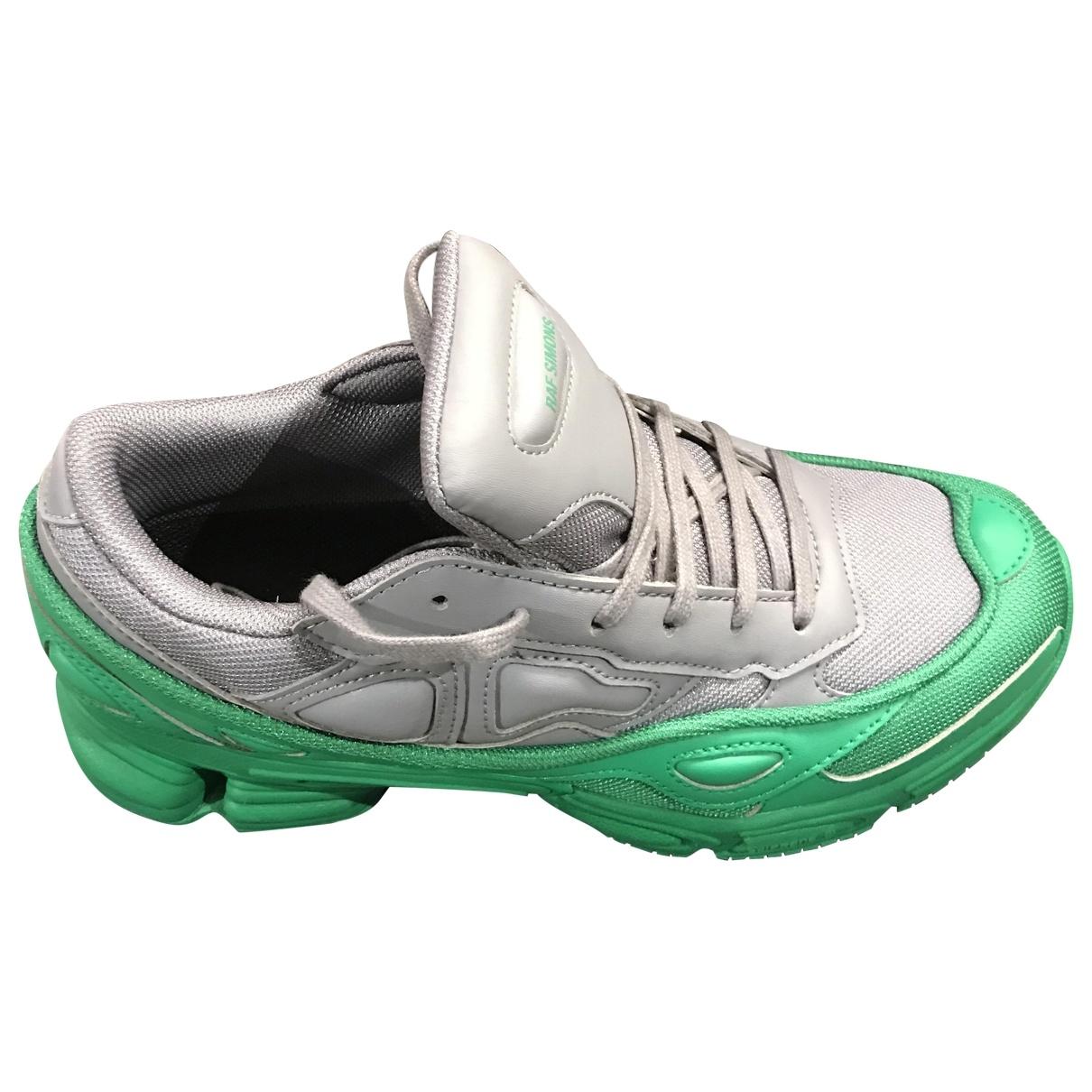 Adidas X Raf Simons RS Ozweego Sneakers in  Grau Leder