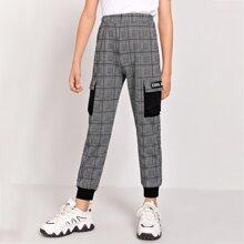 Hose mit Taschen Klappe und seitlichem Karo Muster
