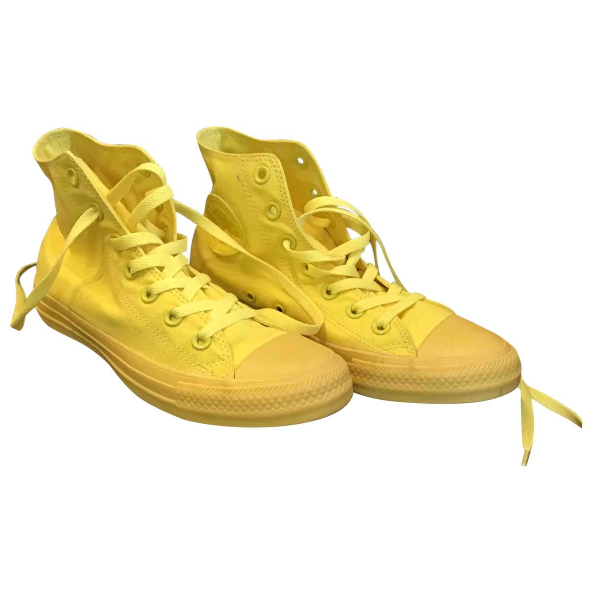 Converse \N Sneakers in  Gelb Leinen